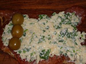 Мясные рулетики с оливками