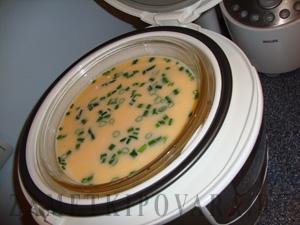 Омлет с зеленым луком на пару