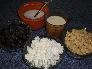 Творожный десерт со смородиной