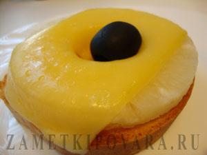 Бутерброды с ананасом и сыром