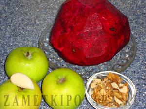 Салат из свежей свеклы с яблоками