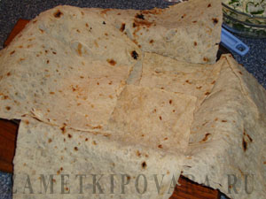 Пирог из лаваша с рисом и брынзой
