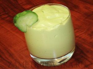 Крем-мусс из авокадо с огурцом