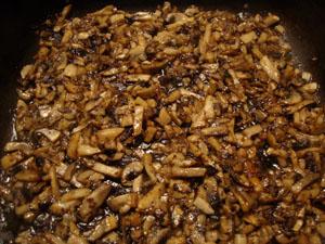Телячьи отбивные с грибным соусом