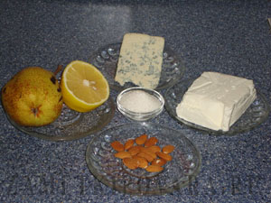 Десерт из груш с голубым сыром