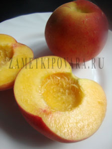 Компот из персиков