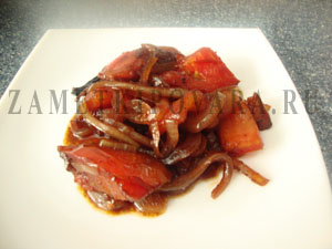 Курица с овощами и медом