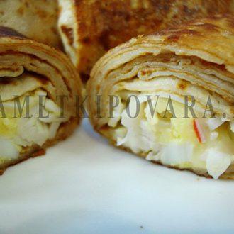 Блины, фаршированные сыром, яйцом и крабовыми палочками