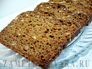 Хлеб с семечками и солодом