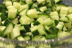 Овощной салат с красной икрой