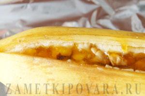Запеченный фаршированный банан