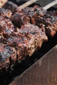 Шашлык из говядины в кефире