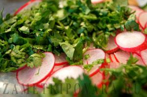 Салат из огурца и редиса по-японски