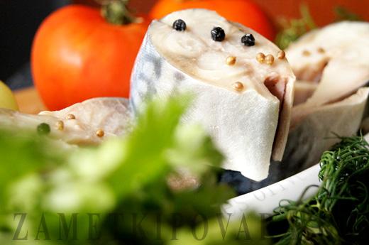 Скумбрия, маринованная в пряностях