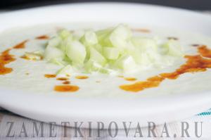 Холодный огуречный суп с пряностями