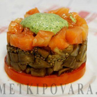 Салат из баклажанов с семгой