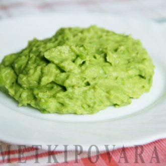 Пюре из зеленого горошка с пармезаном