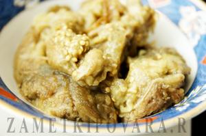 Закуска из запеченных баклажан с кедровыми орешками