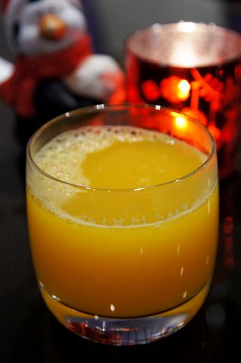 Горячий апельсиновый сок с пряностями