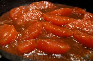 Гренки с грейпфрутом и ирисочным соусом