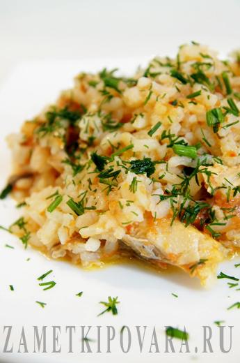 Рис, запеченный в духовке с горбушей