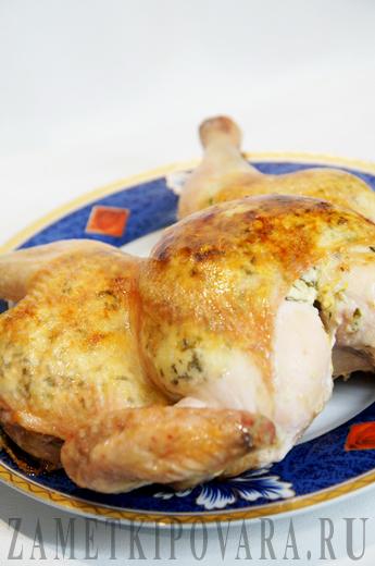 Курица с мягким сыром в духовке