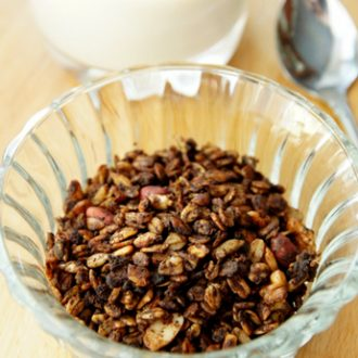 Домашняя шоколадно-ореховая гранола