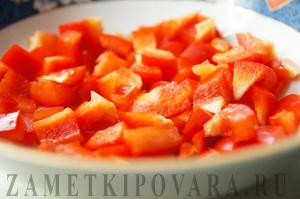 Салат с горохом Нут и болгарским перцем