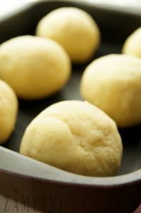 Булз - шарики из мамалыги в духовке