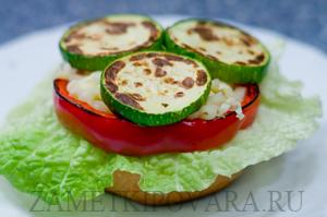 Вегетарианский гамбургер с сыром