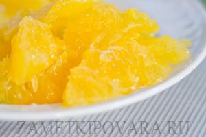 Курица, фаршированная рисом, ананасами и апельсином