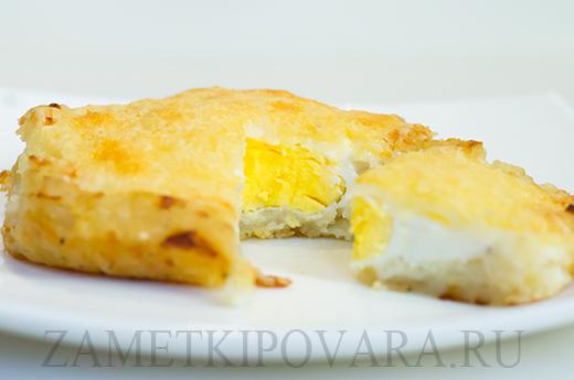 Картофельные гнезда с яйцом и сыром