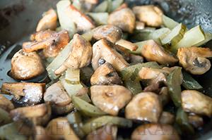 Рулетики из свинины с грибами
