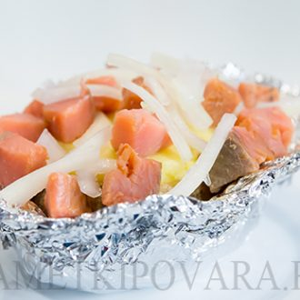 Запеченный картофель с копченной горбушей