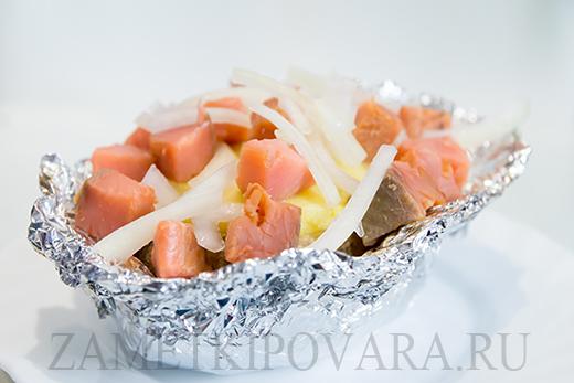 Запеченный фаршированный картофель с копченой горбушей
