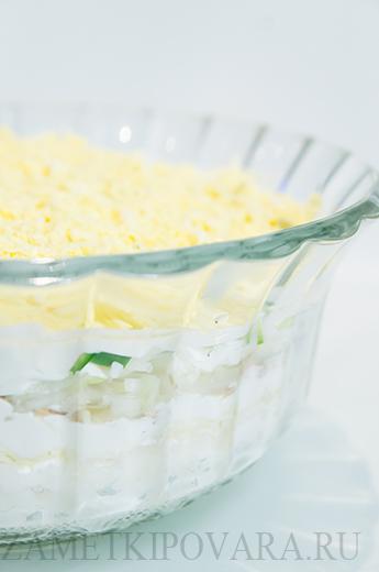 Салат с консервированным тунцом, рисом и свежим огурцом