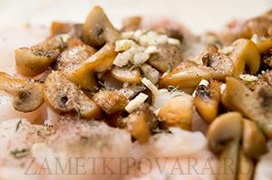 Рулет из лаваша с рыбой и грибами