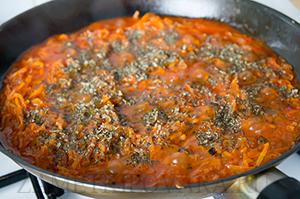 Фрикадельки из свинины в томатном соусе