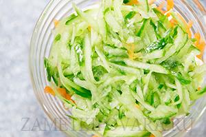 Витаминный салат с креветками