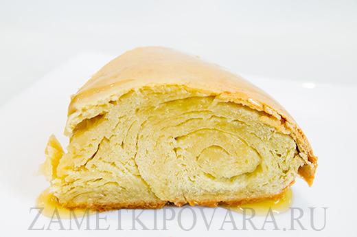 Югатерт - слоеный пирог с медом