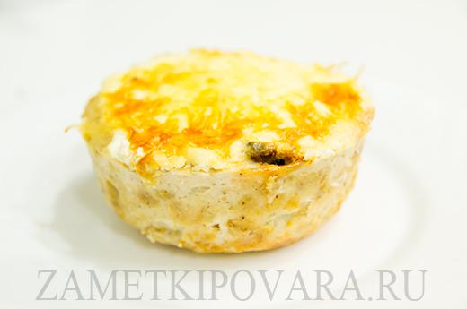 Порционный куриный пирог с грибами