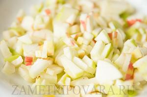 Слойки с яблоками и корицей