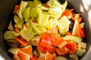 Овощное рагу из баклажанов и кабачков в мультиварке
