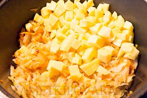 Тушенная капуста с картошкой