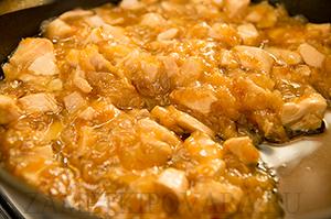 Китайская лапша с курицей и соусом из апельсинов