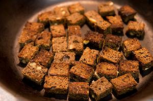 Салат из красной фасоли с оливками