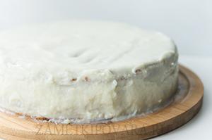Ягодный бисквитный торт с кремом патисьер