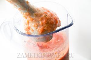 Овощной смузи из помидор, огурцов и перца