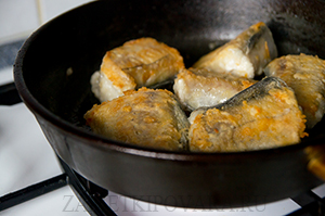 Рыба под маринадом с сельдереем