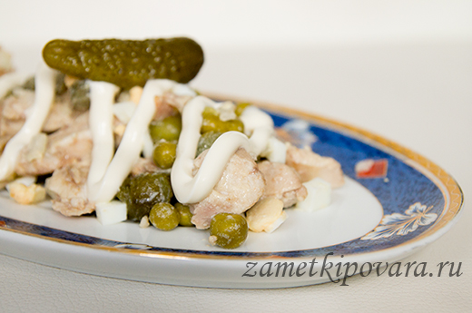 Салат с молоками и зеленым горошком